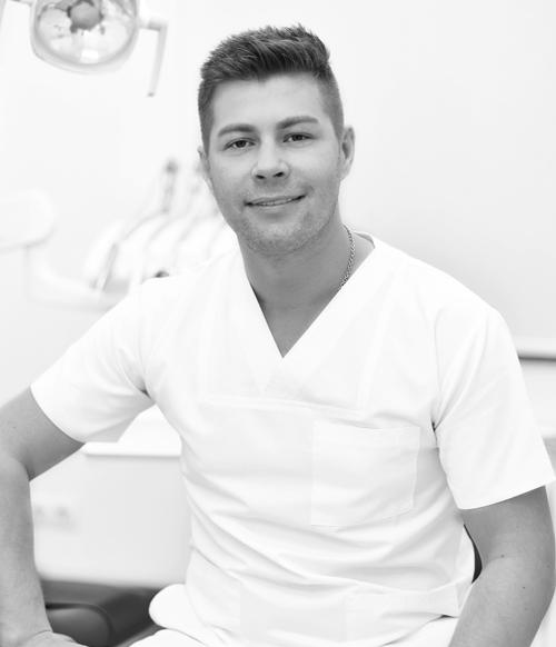 doctor stomatolog iulian juncanaru